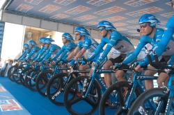 First Endurance Sponsors Discovery Channel Professional Cycling Team