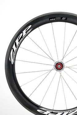Zipp's First Full-Carbon Clincher Wheelset Features New Aiero Profile and Materials
