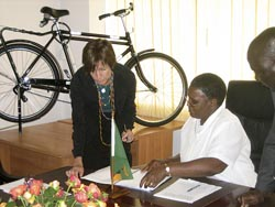 Zambian Ministry of Education Signs Agreement with World Bicycle Relief